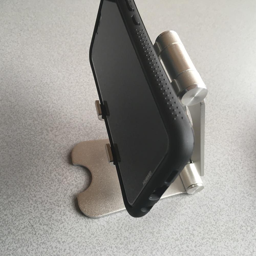 アルミ製 スマホ スタンド スマホ使用例